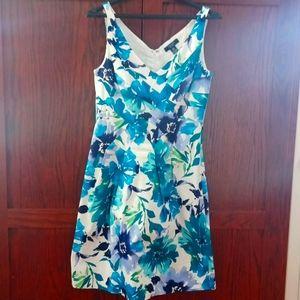 Beautiful Chaps Flower Dress - Size 8